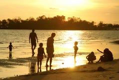 Mensen op strand   Royalty-vrije Stock Afbeelding