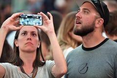 Mensen op The Times-Vierkant in Manhattan Stock Foto's