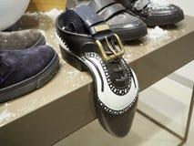 Mensen` s schoenen en riem Mensen` s toebehoren stock foto's