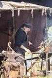 Mensen, salesstands en algemene indrukken van het middeleeuwse leeftijdsfestival over Meer Murner in Wackersdorf, Beieren 10 Mei  Royalty-vrije Stock Foto's