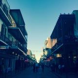 Mensen in straat in New Orleans Stock Afbeeldingen