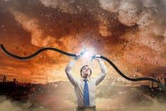 Mensen tearing kabel Royalty-vrije Stock Afbeeldingen