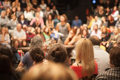 Mensen in theater Stock Afbeeldingen