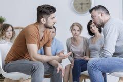 Mensen tijdens psychologische opleiding stock afbeeldingen
