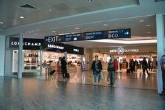Mensen in Vaclav Havel Prague Airport royalty-vrije stock foto's