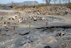 Mensen van het Jharia koolmijnengebied in India Stock Foto's