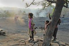 Mensen van het Jharia koolmijnengebied in India royalty-vrije stock fotografie