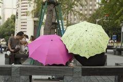 Mensen van Shanghai de rijkste stad in China Royalty-vrije Stock Afbeeldingen