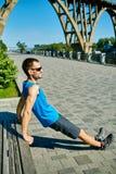 Mensenagent die vóór jogging opwarmen Royalty-vrije Stock Foto