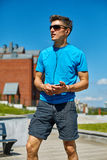 Mensenagent die vóór jogging opwarmen Royalty-vrije Stock Afbeeldingen