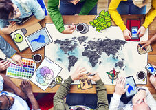 Mensenvergadering met de Globale Illustraties van de Conceptenfoto Stock Foto's