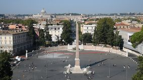 Mensenvierkant en leeuwenvierkant in Rome stock videobeelden