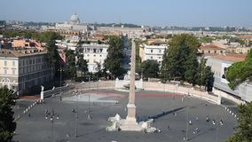 Mensenvierkant en leeuwenvierkant in Rome stock footage