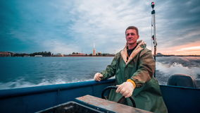 Mensenzitting in Front Of Driving Boat stock videobeelden