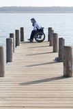 Mensenzitting in rolstoel royalty-vrije stock fotografie