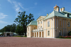 Menshikov宫殿在Oranienbaum公园,俄罗斯 库存照片
