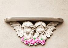 Mensola di angelo del bambino immagine stock libera da diritti