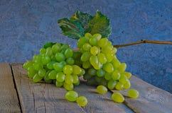 Mensonge de raisins blancs Image libre de droits