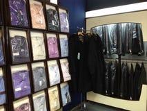 Menswear nos varejistas Fotos de Stock Royalty Free