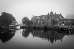 Menta di Royal Dutch che costruisce Utrecht in bianco e nero Fotografie Stock Libere da Diritti
