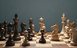 Mente de la estrategia del juego de ajedrez que gana foto de archivo