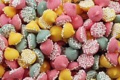 Menthes colorées de sucrerie dans le macro Photographie stock libre de droits