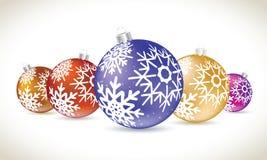 A mentira colorida das bolas do Natal ajustou-se para a decoração da árvore de Natal Fotografia de Stock