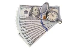 Mentira retra de los relojes de bolsillo en mil dólares americanos El concepto en la gestión de tiempo o la publicidad del taller fotografía de archivo libre de regalías