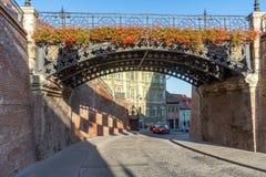 Mentirosos da ponte em Sibiu velho, Romênia imagem de stock