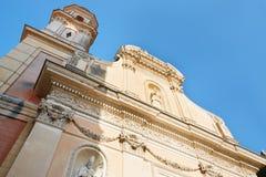 Menton, église de Blancs de pénitents avec le ciel bleu Photos libres de droits