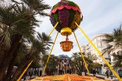 MENTON, FRANÇA - 27 DE FEVEREIRO: O festival do limão (Festa du Cidra) no Riviera T Fotos de Stock Royalty Free