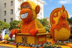 Menton, França February20: Festival do limão (Festa du Cidra) no Riviera francês O tema para 2015: Tribulações de um limão dentro imagem de stock royalty free