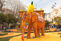 MENTON FRANCJA, LUTY, - 27: Cytryna festiwal na francuzie Riviera Tysiące cytryny i pomarańcze używają bu Obraz Stock