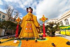 MENTON, FRANKREICH - 20. FEBRUAR: Kunst gemacht von den Zitronen und von den Orangen im berühmten Zitronen-Festival (Fete du Citr Stockbilder