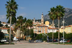 Menton-Stadt auf französischem Riviera lizenzfreie stockfotografie