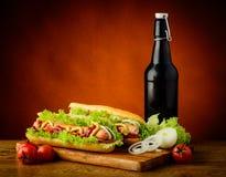 Menu e verdure del hot dog Fotografia Stock Libera da Diritti