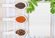 Menybakgrund Tonad bild för kock bok Tappningbild av receptet Arkivfoto