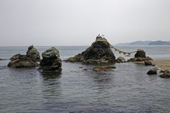 Meoto Iwa стоковое изображение