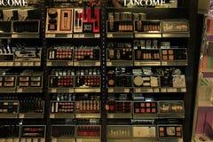 Meppen, Германия, 14-ое августа 2017: различные роскошные продукты косметики Lancome Стоковое Изображение RF