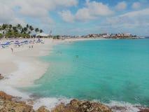 Mer étonnante de plage et de turquoise de Marteen de saint images stock