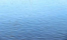 Mer abstraite de l'eau bleue pour le fond Texture de l'eau Photo libre de droits