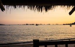 Mer au coucher du soleil Photo stock