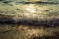 Mer au coucher du soleil photos stock