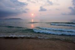 Mer au lever de soleil Images libres de droits