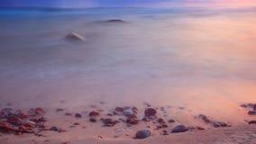 Mer au lever de soleil avec une longue exposition Images libres de droits