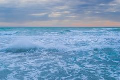 Mer avant la tempête photographie stock libre de droits
