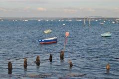 Mer avec des bateaux Images libres de droits