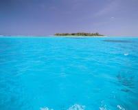 Mer avec l'île image libre de droits
