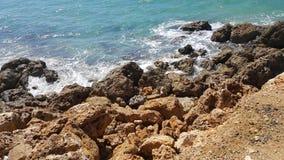 Mer avec le paysage rocheux Photographie stock