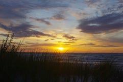 Mer baltique au temps de coucher du soleil Image libre de droits